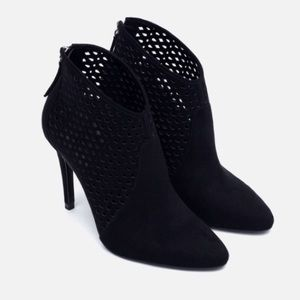 NEW Zara Perforated Cut Work Heeled Ankle Boot Zip